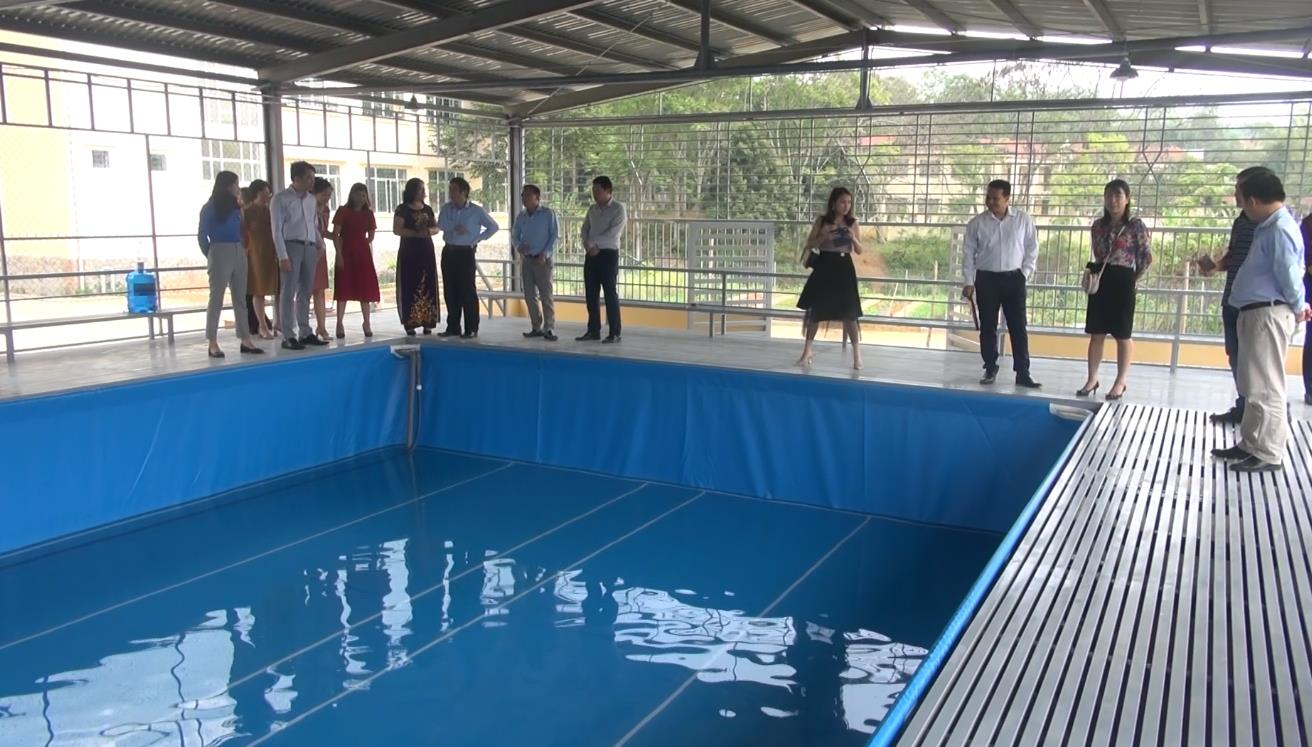 Hòa An: Khánh thành bể bơi phòng chống đuối nước tại trường Tiểu học Nước Hai