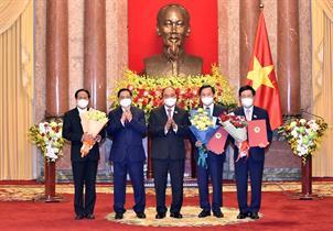 Chủ tịch nước trao Quyết định bổ nhiệm các thành viên Chính phủ nhiệm kỳ 2021 – 2026