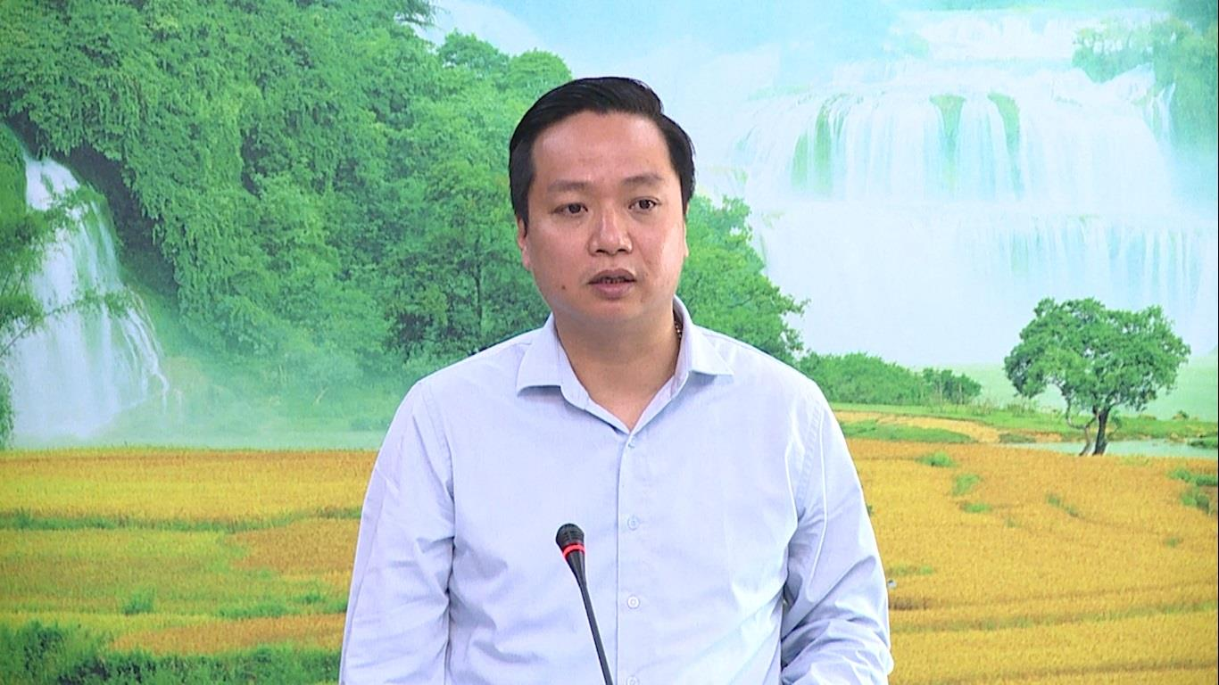 Phó Chủ tịch UBND tỉnh Lê Hải Hòa làm việc với Sở Y tế