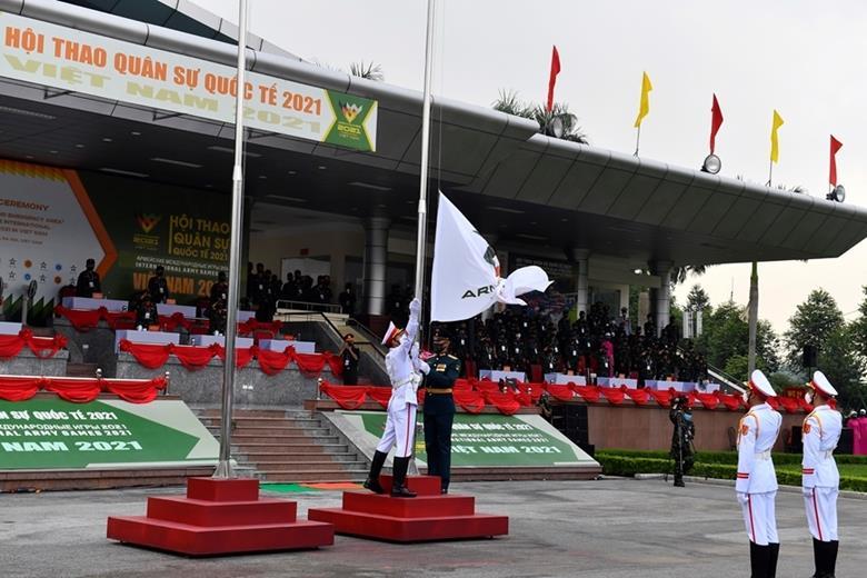 Thượng cờ các quốc gia tham dự Army Games 2021 tại Việt Nam