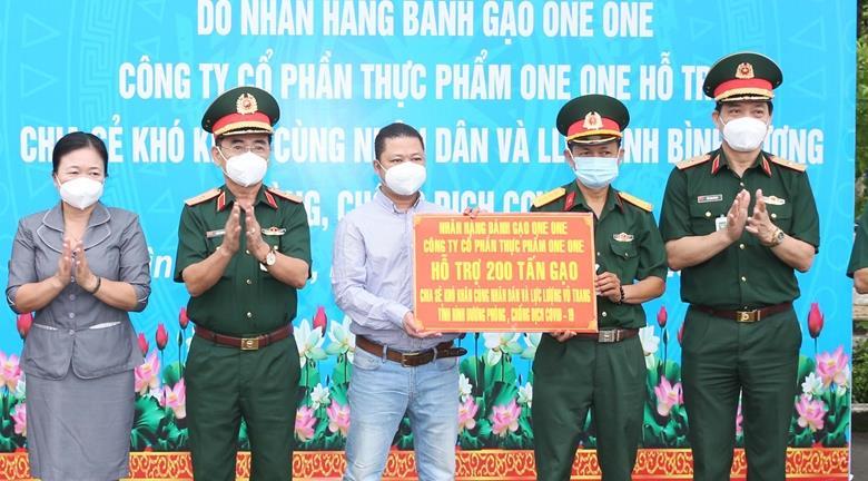 Chương trình 1.000 tấn gạo tình thương đến với miền Nam chống dịch