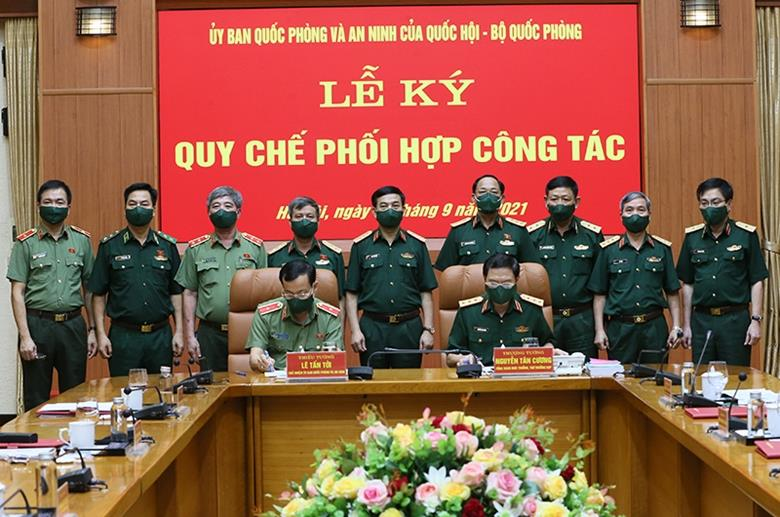 Ủy ban Quốc phòng và An ninh của Quốc hội ký Quy chế phối hợp công tác với Bộ Quốc phòng