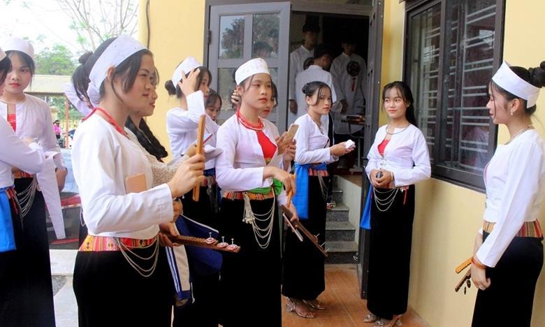 Lan tỏa vẻ đẹp và giá trị trang phục truyền thống