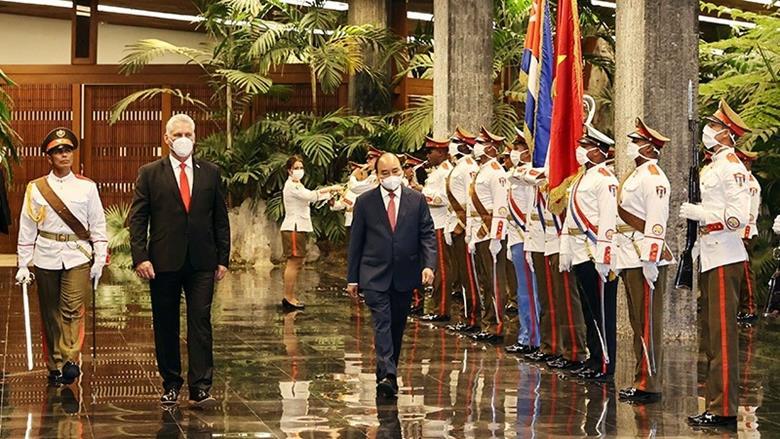 Chủ tịch Cuba chủ trì Lễ đón Chủ tịch nước Nguyễn Xuân Phúc