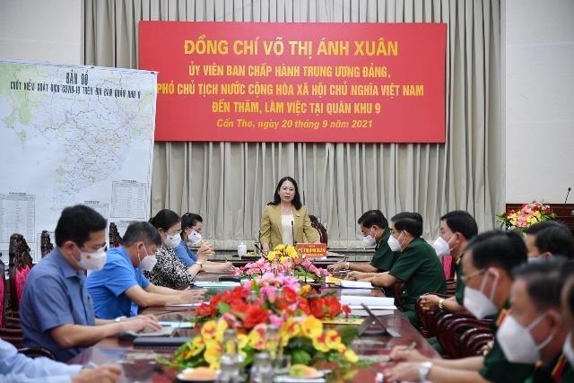 Phó Chủ tịch nước Võ Thị Ánh Xuân thăm và làm việc tại Quân khu 9