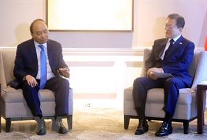 Chủ tịch nước Nguyễn Xuân Phúc gặp Lãnh đạo cấp cao các nước và Chủ tịch WB