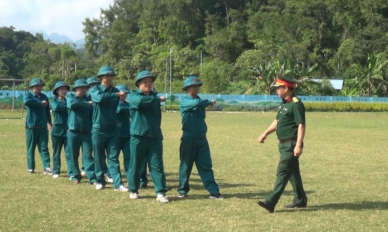 Hà Quảng: Huấn luyện dân quân tự vệ khối cơ quan Huyện ủy, UBND huyện