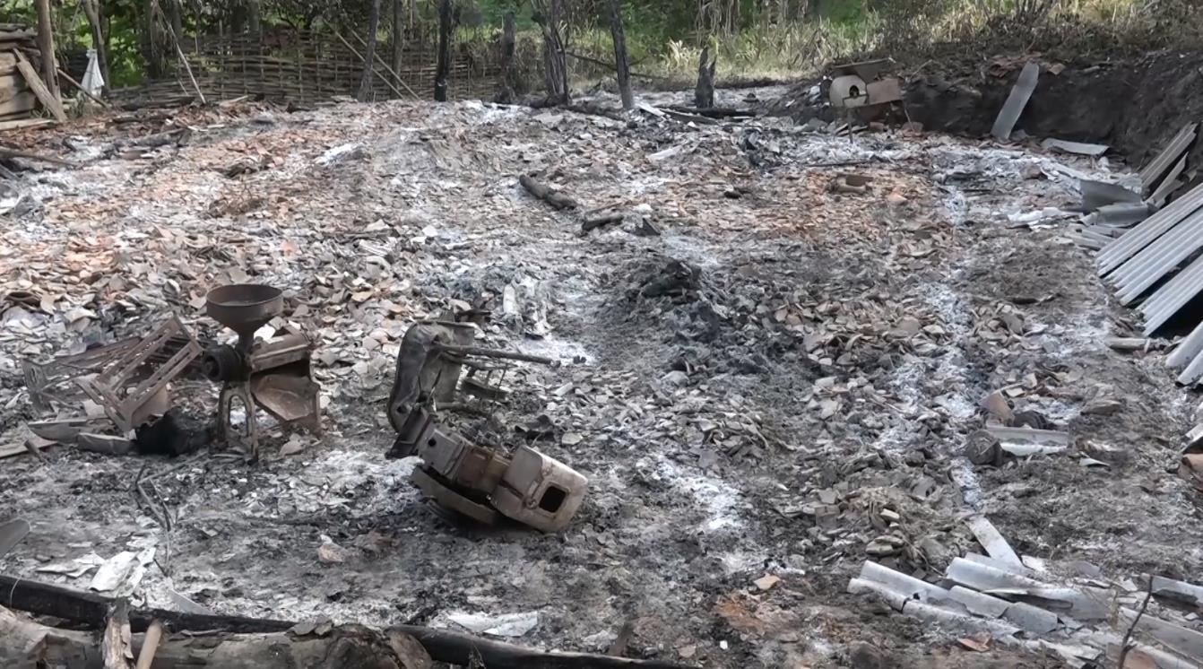 Bảo Lâm: Động viên, trao hỗ trợ cho gia đình bị cháy nhà tại xã Nam Cao