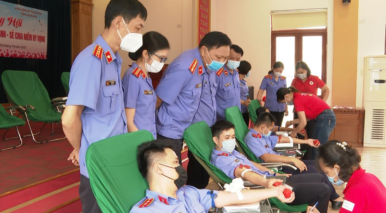 Viện KSND tỉnh: Hơn 100 cán bộ, công chức, người lao động tham gia hiến máu tình nguyện