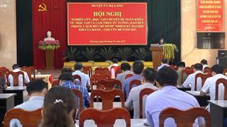 """Hạ Lang: Hội nghị nghiên cứu, học tập chuyên đề toàn khóa về """"Học tập và làm theo tư tưởng, đạo đức, phong cách Hồ Chí Minh"""""""