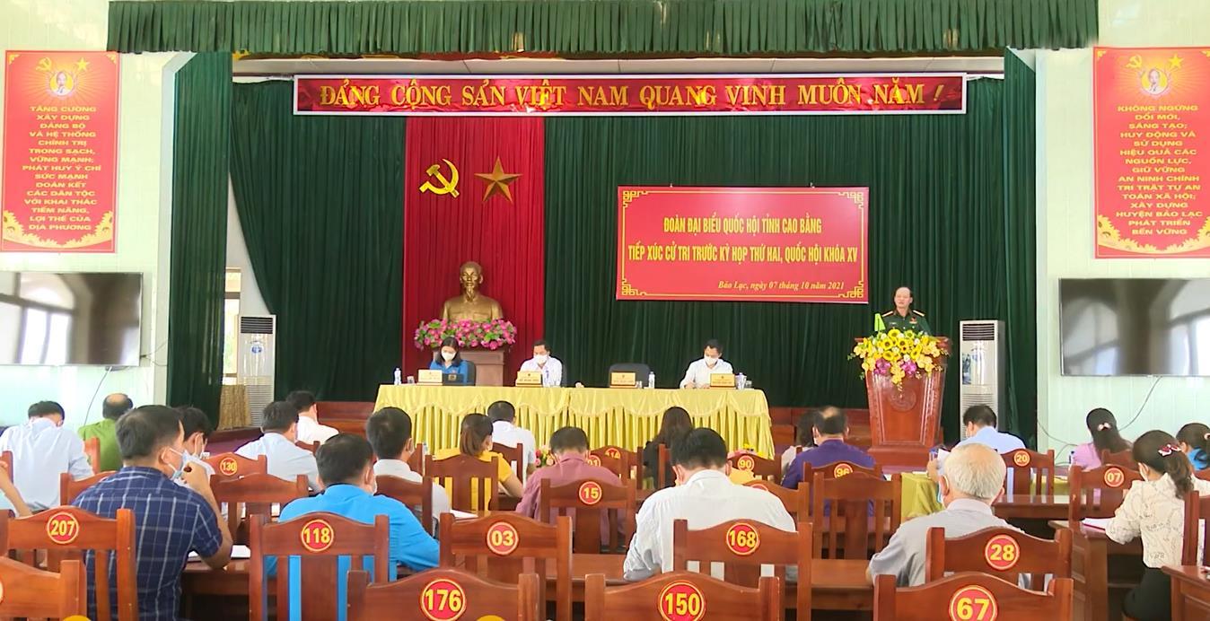 Đoàn đại biểu Quốc hội tỉnh tiếp xúc cử tri huyện Bảo Lạc