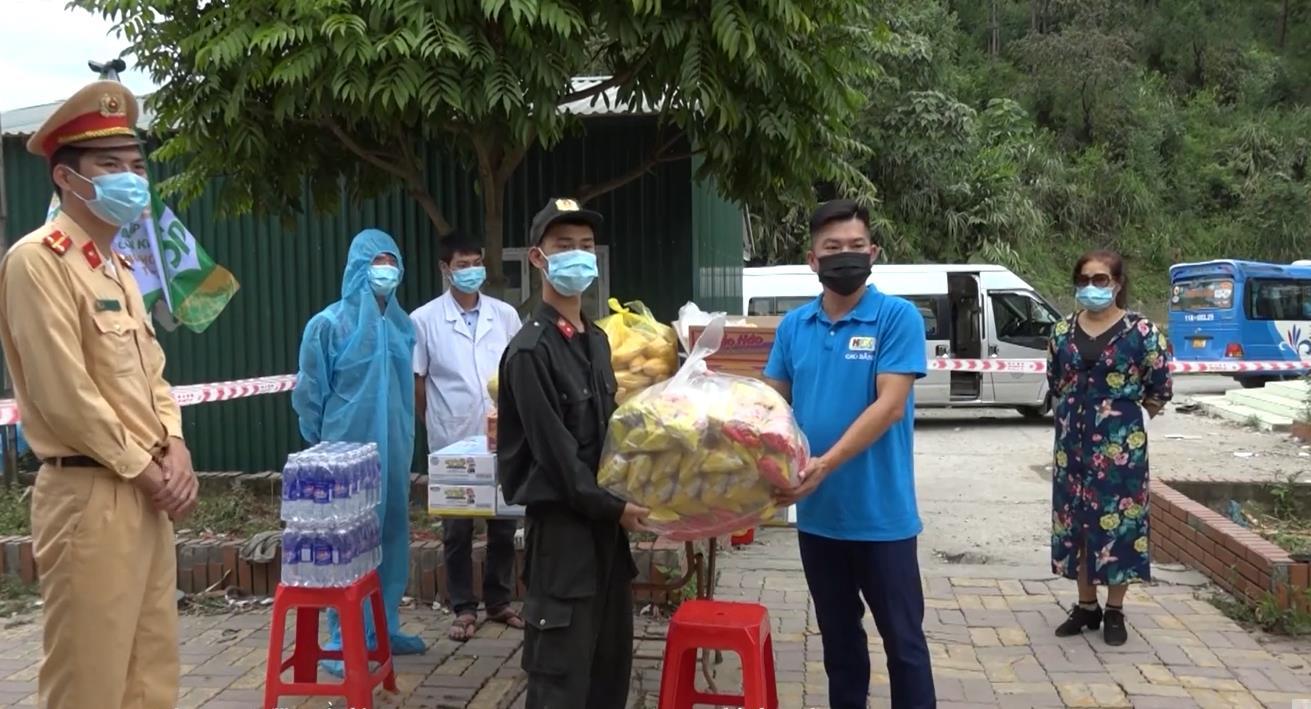 Hỗ trợ nhu yếu phẩm cho người dân từ các tỉnh, thành phố phía Nam về địa phương