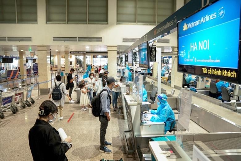 Hà Nội bỏ quy định người bay từ TP Hồ Chí Minh ra phải cách ly tập trung