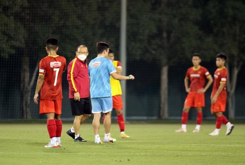 HLV Park Hang-seo theo sát ĐT U23 Việt Nam