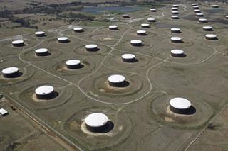 Giá dầu thế giới tiếp đà tăng mạnh